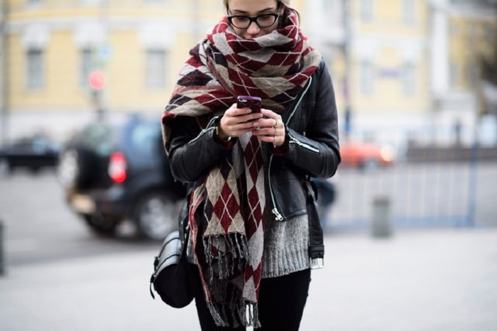 Stylish-Scarves-To-Keep-You-Warm-This-Winter-15